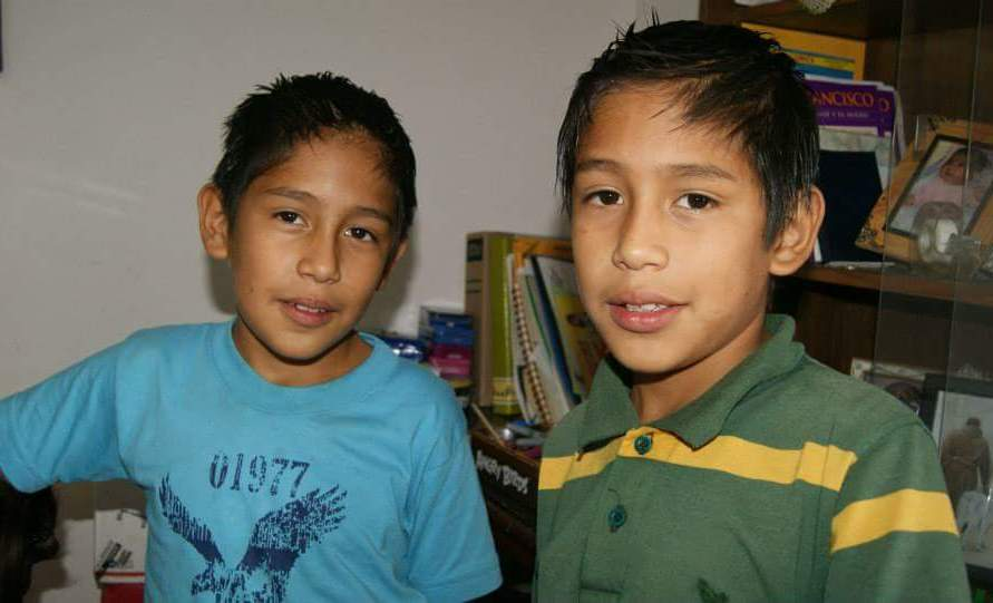 Gemelos younger
